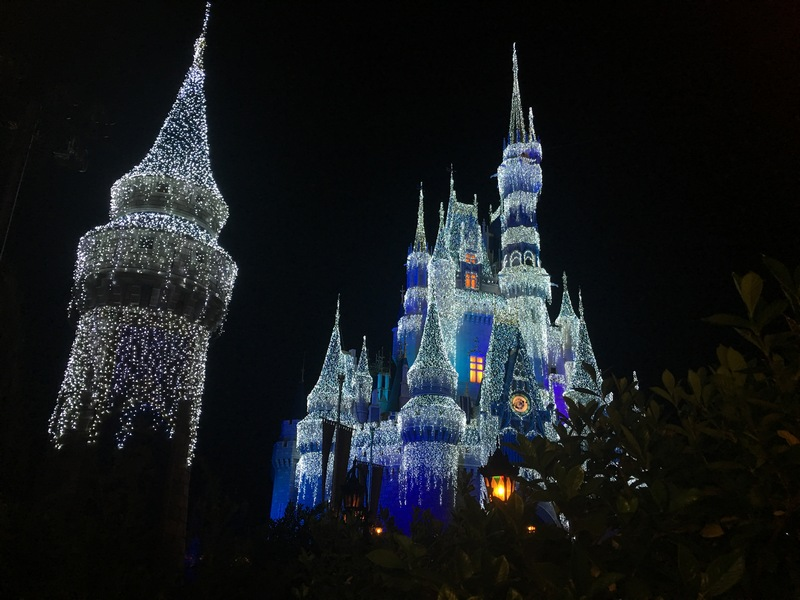 mickeys very merry christmas party 2018 dessert holiday wishes