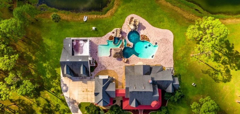 Awesome This Disney House With Two Mickey Mouse Pools Is On The Download Free Architecture Designs Scobabritishbridgeorg